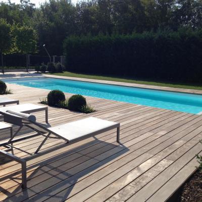 Terrasse piscine en tete