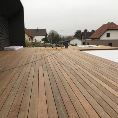 Terrasse piscine jacuzzi